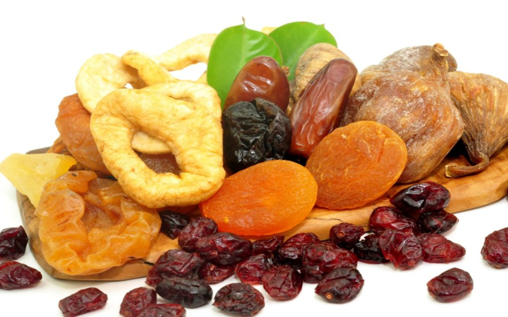 blending dried fruit